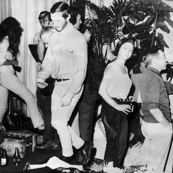 Le XXIe Festival de Cannes est interrompu ‡ la suite de l'occupation du Palais des Festivals par des professionnels du cinÈma, le 18 mai 1968. A partir de ce jour, une semaine de cinÈma international va se substituer au Festival, et les films prÈvus seront projetÈs, sauf opposition du producteur et du rÈalisateur. / AFP PHOTO / PAUL LOUIS